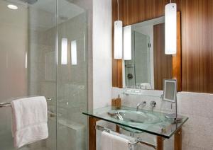 Bathroom at the Hutton Hotel